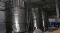 Sirke fabrikasında 25 ton sahte votka ele geçirildi