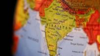 Hindistan'da ekonomi yönetiminde istifalar sürüyor