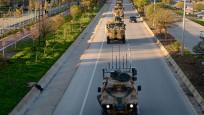 Sınıra askeri yığınak devam ediyor