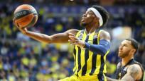 Fenerbahçe potada rakip tanımıyor