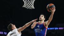 Anadolu Efes son çeyrekte yenildi, Ataman maçın tekrarını istedi