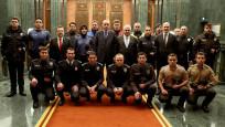 Emniyet personeli yeni üniformalarıyla Beştepe'de