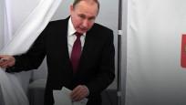 Putin rakiplerine fark attı