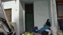 Ölen yazarın evini temizleyen işçiler 130 bin lira buldu
