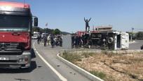 Askerleri taşıyan minibüs kaza yaptı: 25 yaralı