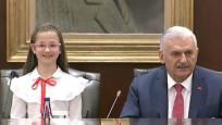 Başbakan koltuğunu teslim etti