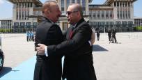 Erdoğan Azeri mevkidaşını resmi törenle karşıladı