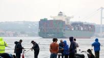 Dev gemi İstanbul'dan geçti