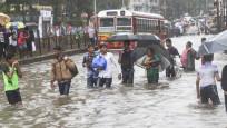 Hindistan'da sel felaketi 17 can aldı
