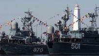 Rus savaş gemileri Akdeniz'e açıldı