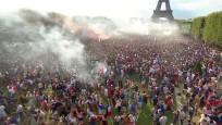 Paris'te şampiyonluk coşkusu