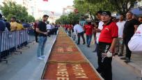 Hatay'da 79 metrelik künefe vatandaşlara dağıtıldı