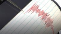 Endonezya'da büyük deprem