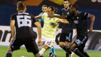 Fenerbahçe, Dinamo Zagreb'e 4-1 yenildi