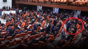 Davutoğlu Başbakanlık sonrası ilk kez Meclis'te