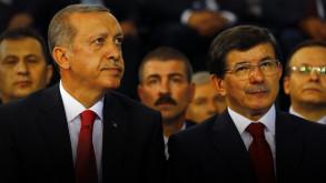Davutoğlu'ndan AK Parti grubunda sert sözler!