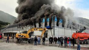 Market zincirinin deposunda büyük yangın