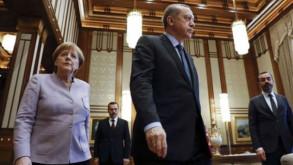 Merkel: Türkiye masada olmalı