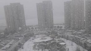 İstanbul'a ilk kar yağdı!