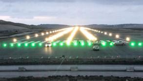 3. Havalimanı pistinin ışıkları ilk kez yandı