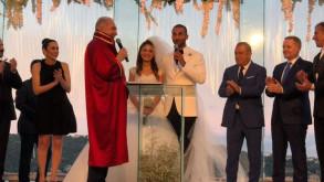 Volkan Babacan haber spikeri Hilal Özdemir ile evlendi