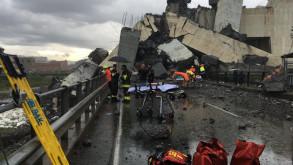 İtalya'da otoyol köprüsü çöktü!