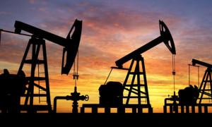 Petrol üç haftanın en yükseğine yakın