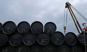 ABD'nin ham petrol stokları beklentinin 2 katı azaldı