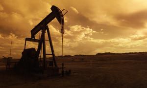 Petrol ABD'de üretimin artacağı endişeleriyle geriledi