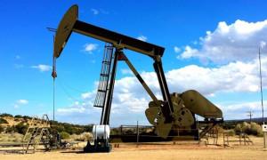 Petrol üretim haberleri ile düşüşünü sürdürdü