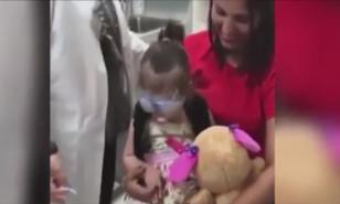 Organ nakli sonucu ilk kez dünyayı gören küçük kızın ve annesinin İlk tepkileri