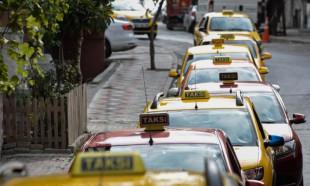 Taksiciler zamlı tarifeye geçiş için kuyruk oluşturdu