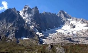 Dağın parçalanma anı kameralara yansıdı