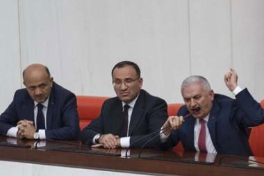 Meclis'in 23 Nisan özel oturumunda gerginlik yaşandı.