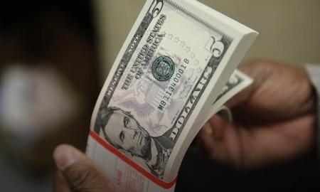 Dolar ve euro zirveden uzaklaştı