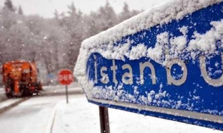 İstanbul'a kar göründü