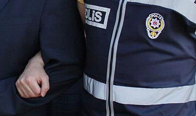 İzmir'de akademisyenlere FETÖ operasyonu