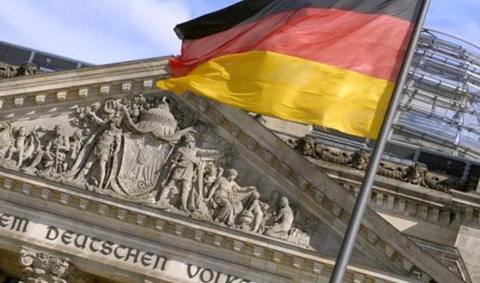 Alman politikacılar Türkiye'yi tehdit etti