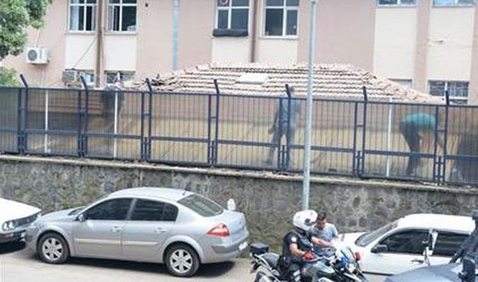 Diyarbakır'da askeri binaya el yapımı patlayıcı atıldı
