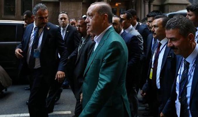 Erdoğan koruma ordusuyla geziyor