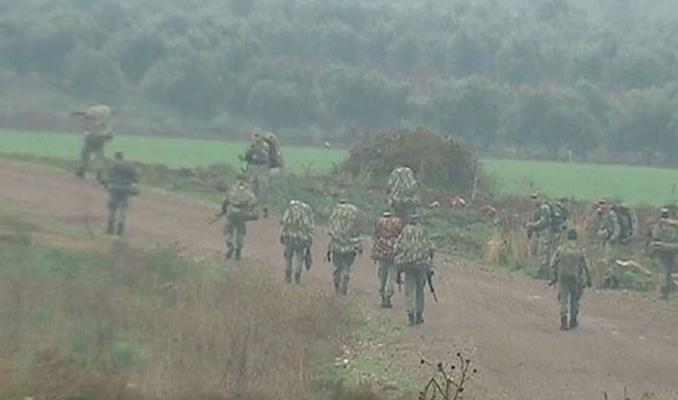 Askerler sınırda elleri tetikte beklemeye başladı