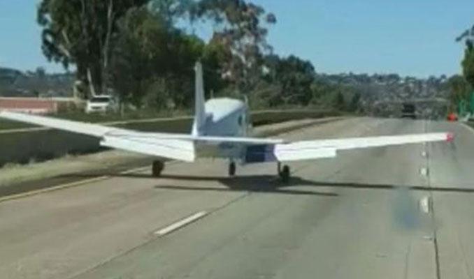Uçak otobana acil iniş yaptı