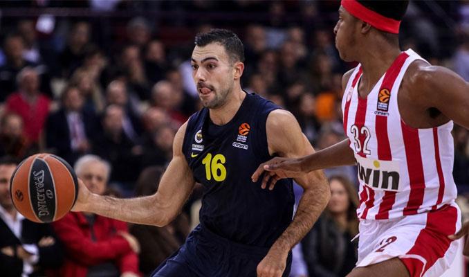 Fenerbahçe Olympiakos'u deplasmanda devirdi