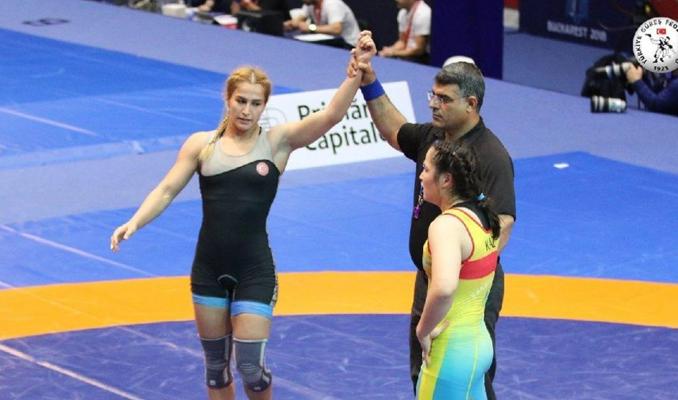 Buse Tosun güreşte dünya şampiyonu oldu