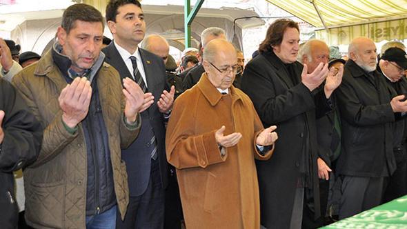 10. Cumhurbaşkanı Sezer, o ismin cenazesine katıldı