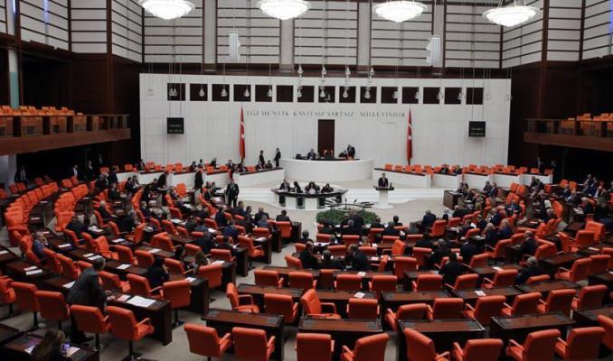 Yardımcı doçent kadrosunu kaldıran teklif Meclis'ten geçti