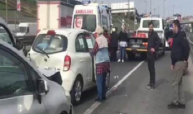 D-100'de kaza! 2 şerit trafiğe kapandı