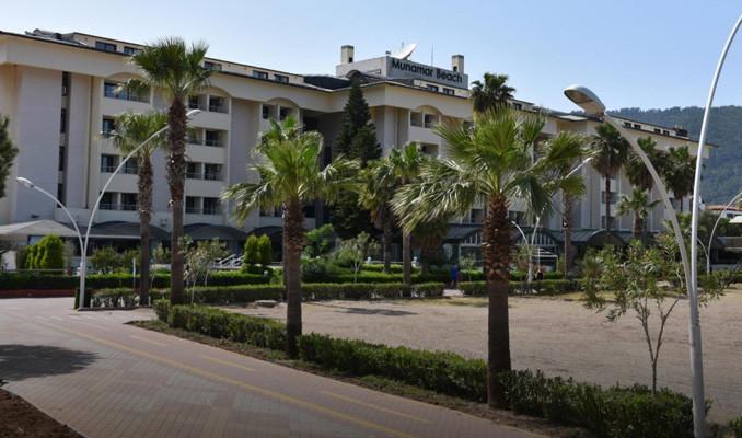 Katarlı şeyhin lüks oteline talip çıkmadı