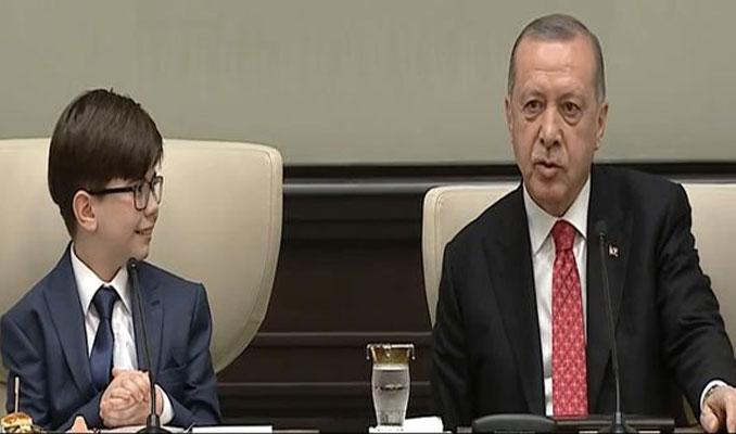Cumhurbaşkanı koltuğuna 12 yaşındaki Fatih oturdu