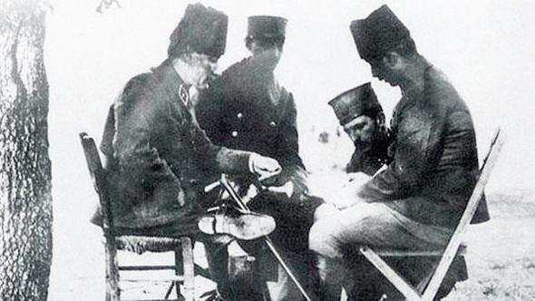 Atatürk'ün İleri emri tartışmasına Kütahya da katıldı